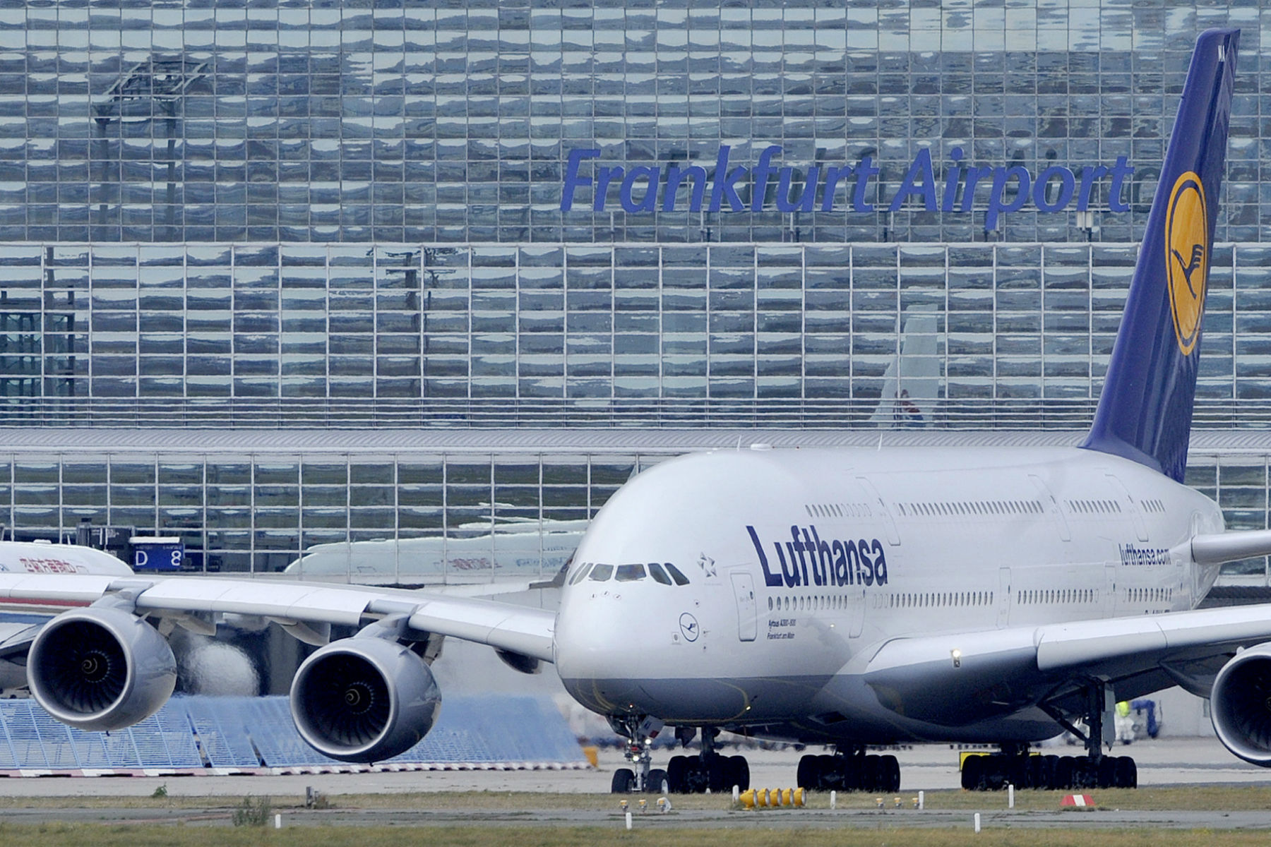 lufthansa mobile germany interscale